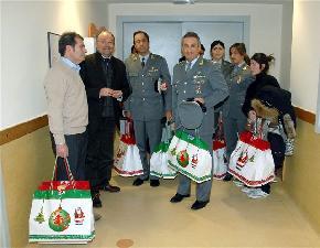 Natale al Meyer con la Guardia di Finanza 2007