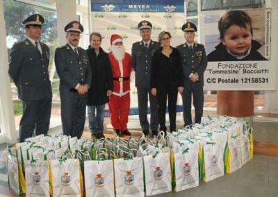 Natale al Meyer con la Guardia di Finanza 2011