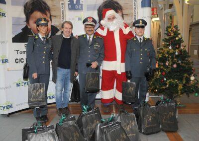 Natale al Meyer con la Guardia di Finanza 2013